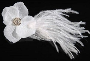 **SALE** Flower Glamour with feathers, ivory